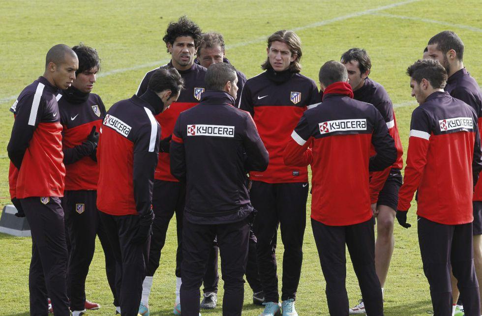 Simeone reserva nueve titulares para el derbi contra el Madrid