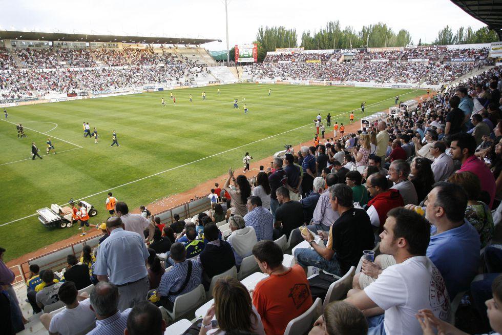 El Albacete se moviliza para evitar desaparecer