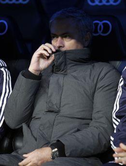 División de opiniones en el Bernabéu en torno a Mourinho