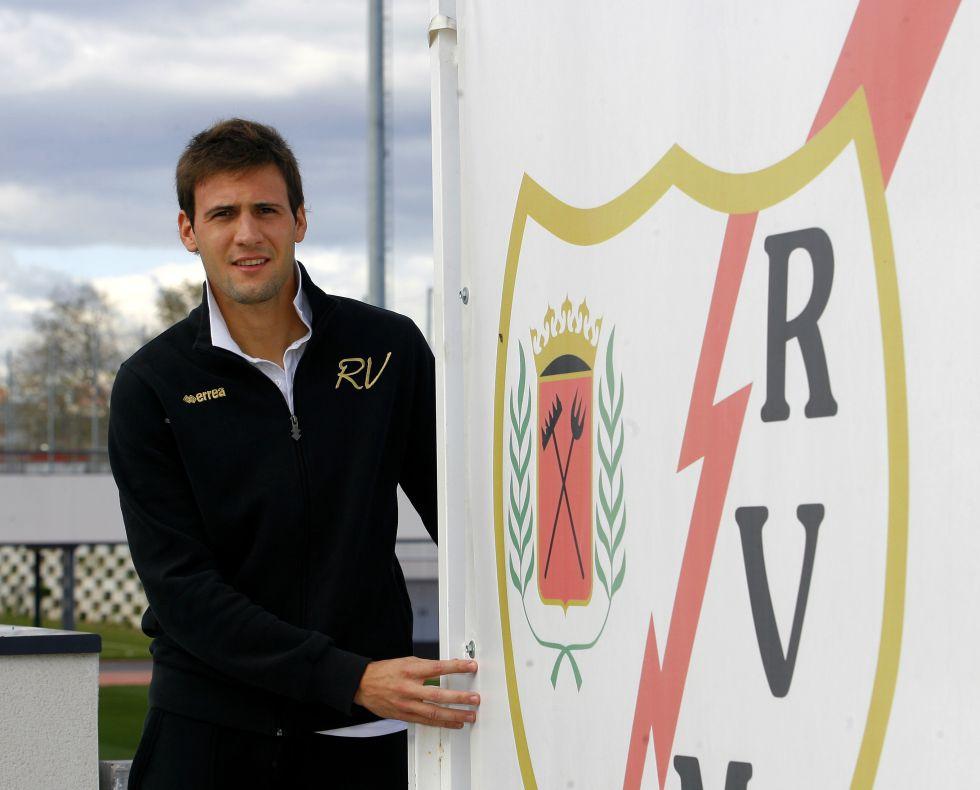 'El mudo' Vázquez se cuela en el Rayo sin hacer ningún ruido
