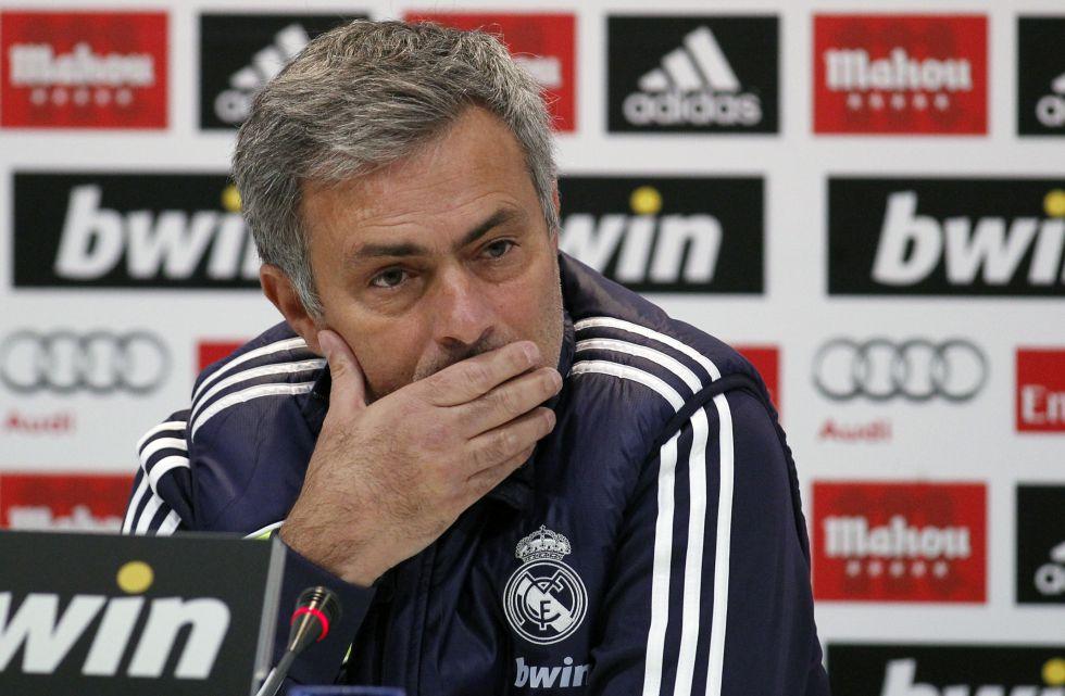 """Mourinho: """"Pegarme es el deporte nacional; lo asumo"""""""