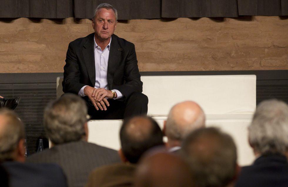 """Cruyff: """"Sólo si el Barça hace tonterías se acercará el Madrid"""""""