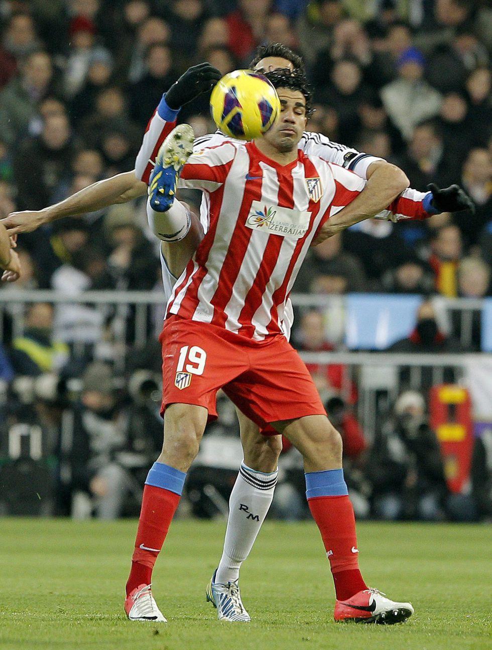 Ramos escupió a Diego Costa antes de la respuesta del atlético