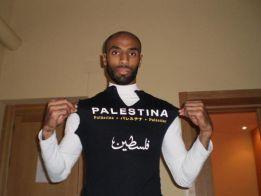 Kanouté lidera un movimiento para boicotear la Euro de Israel