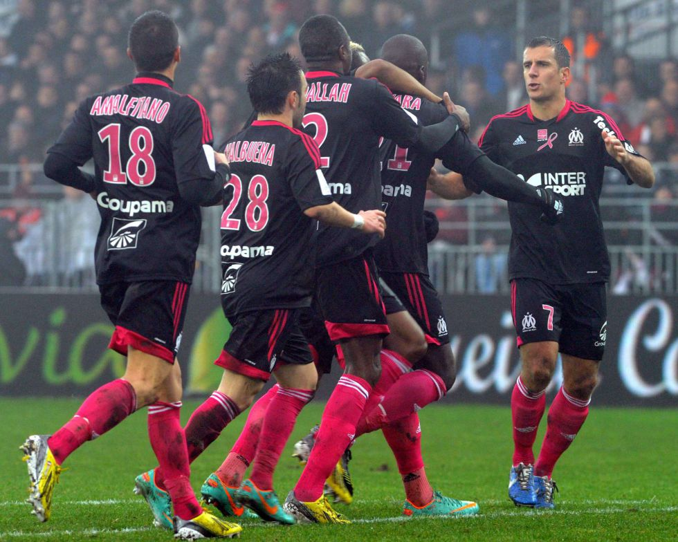 El Marsella renace y acosa al Lyon desde la segunda posición