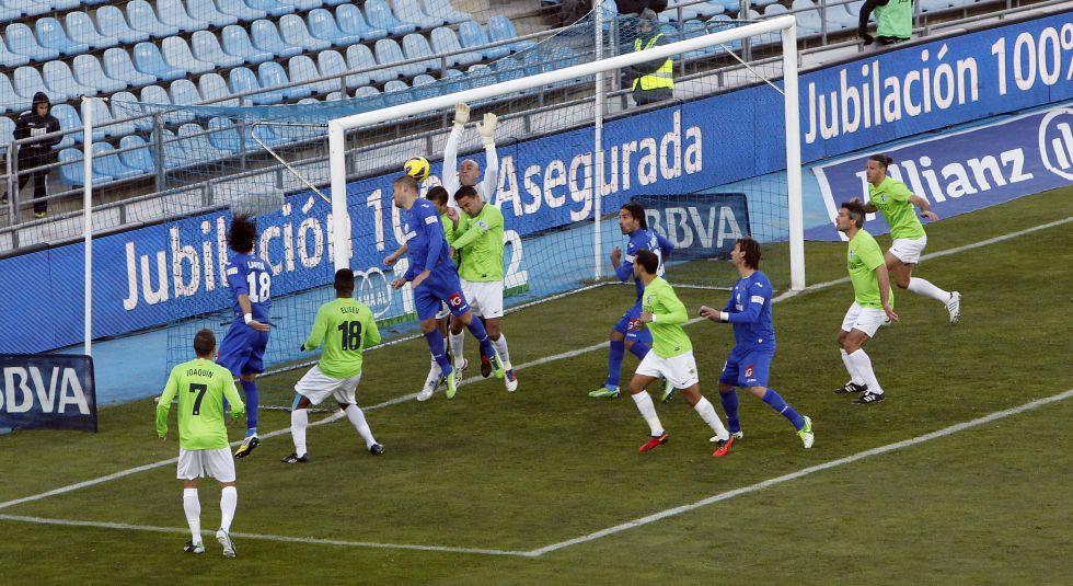 El Getafe vuela ganando y se pone a la altura del Málaga