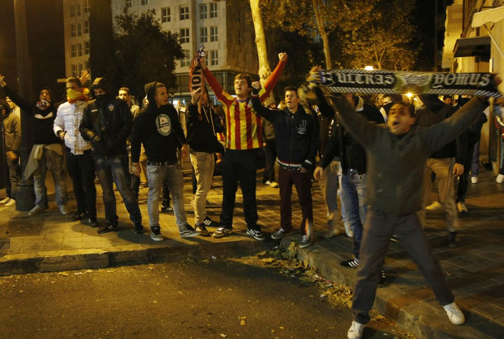 Radicales del Valencia acceden a una zona privada de Paterna