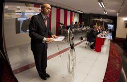 El Sevilla presenta quince millones de euros de pérdidas