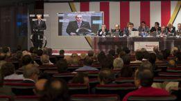 Del Nido pidió apoyo y presentó un déficit de quince millones