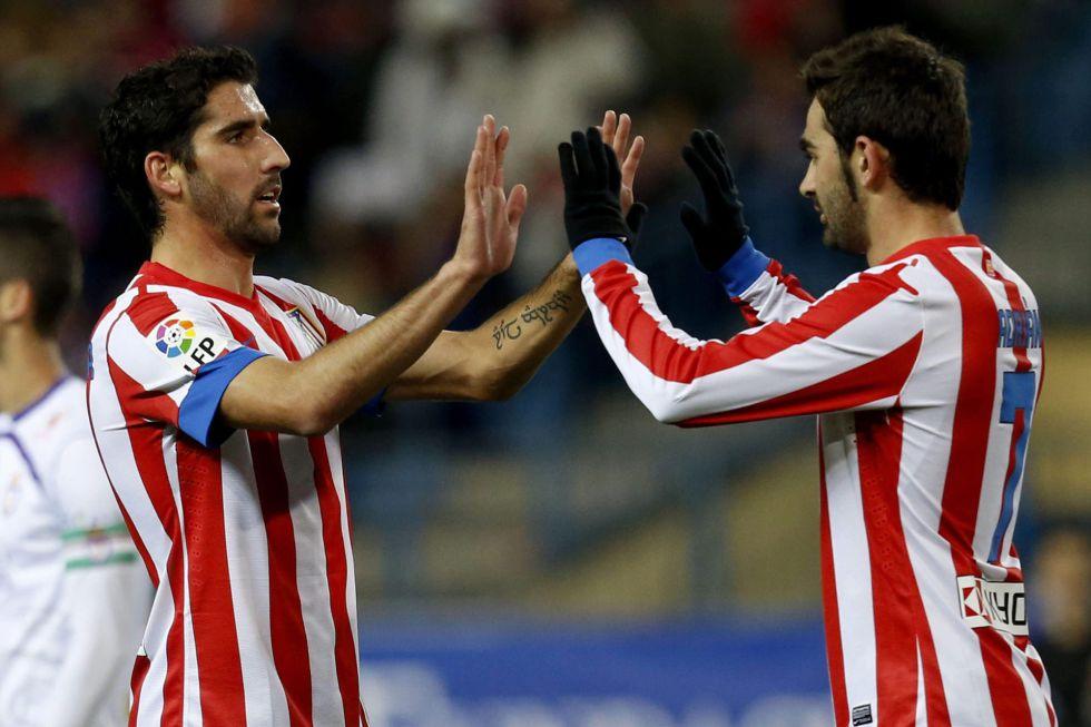 Adrián y Manquillo, titulares en el asalto al liderato de grupo