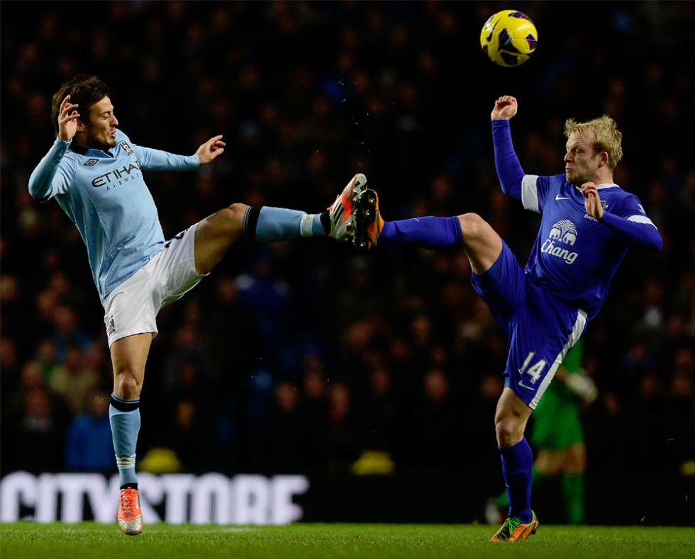David Silva podría estar listo para el derbi en Manchester