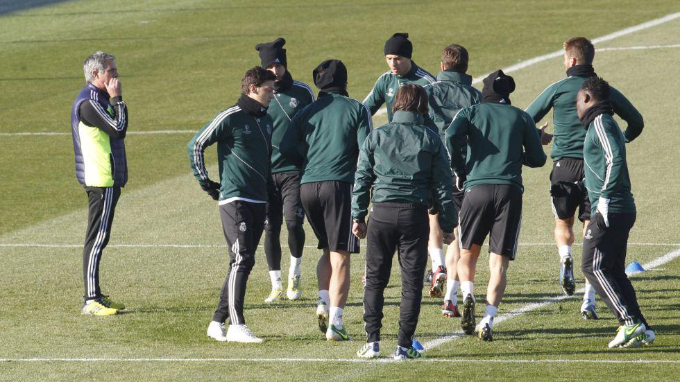 Coentrao, baja en Valladolid; Mourinho recupera a Essien
