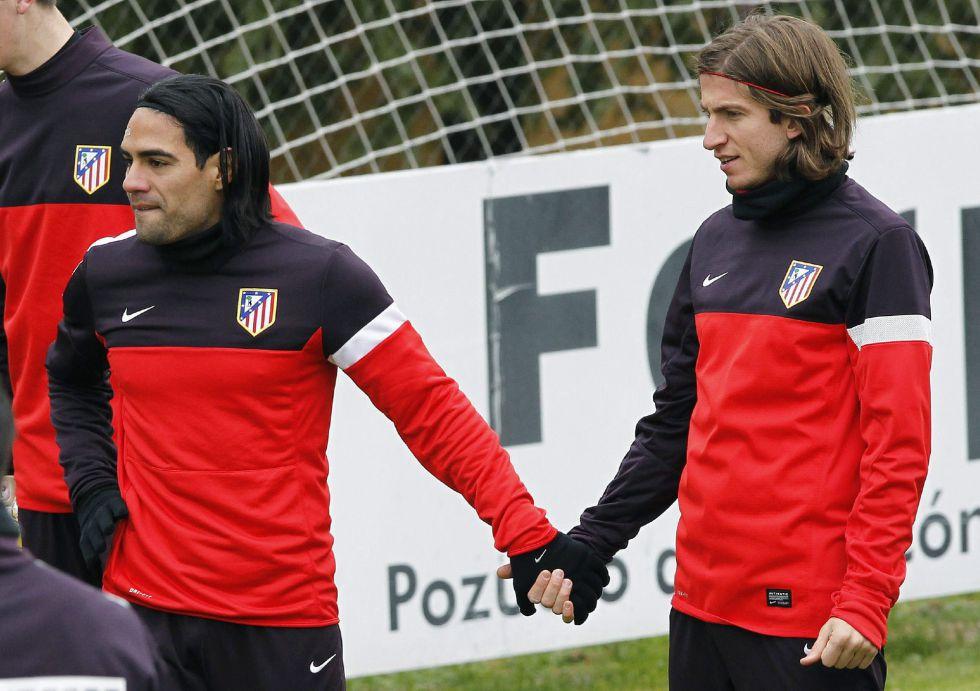 Filipe Luis se recupera y está convocado ante el Deportivo
