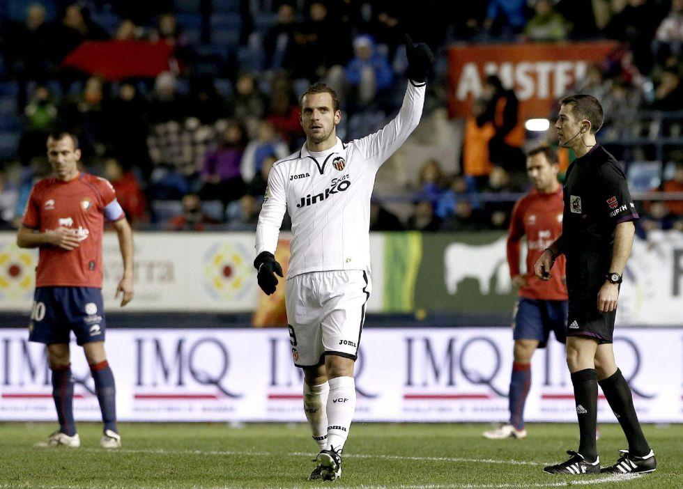 Soldado le da la bienvenida a Valverde