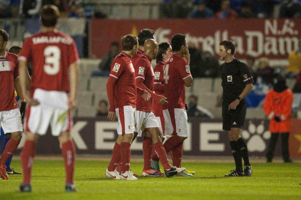 Sabadell salva un punto tras a un polémico penalti en el añadido