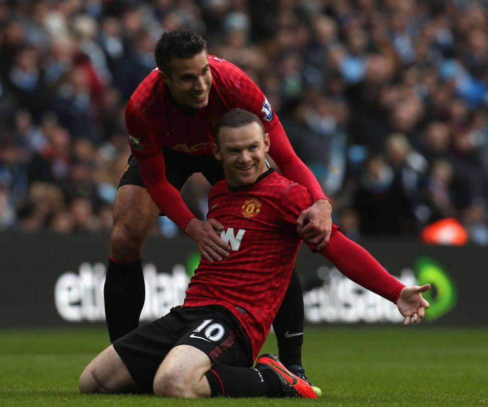 Van Persie hunde al Manchester City en el último minuto