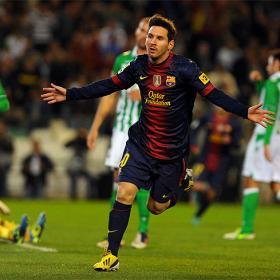 Leo Messi sends Gerd Müller a signed Barcelona shirt