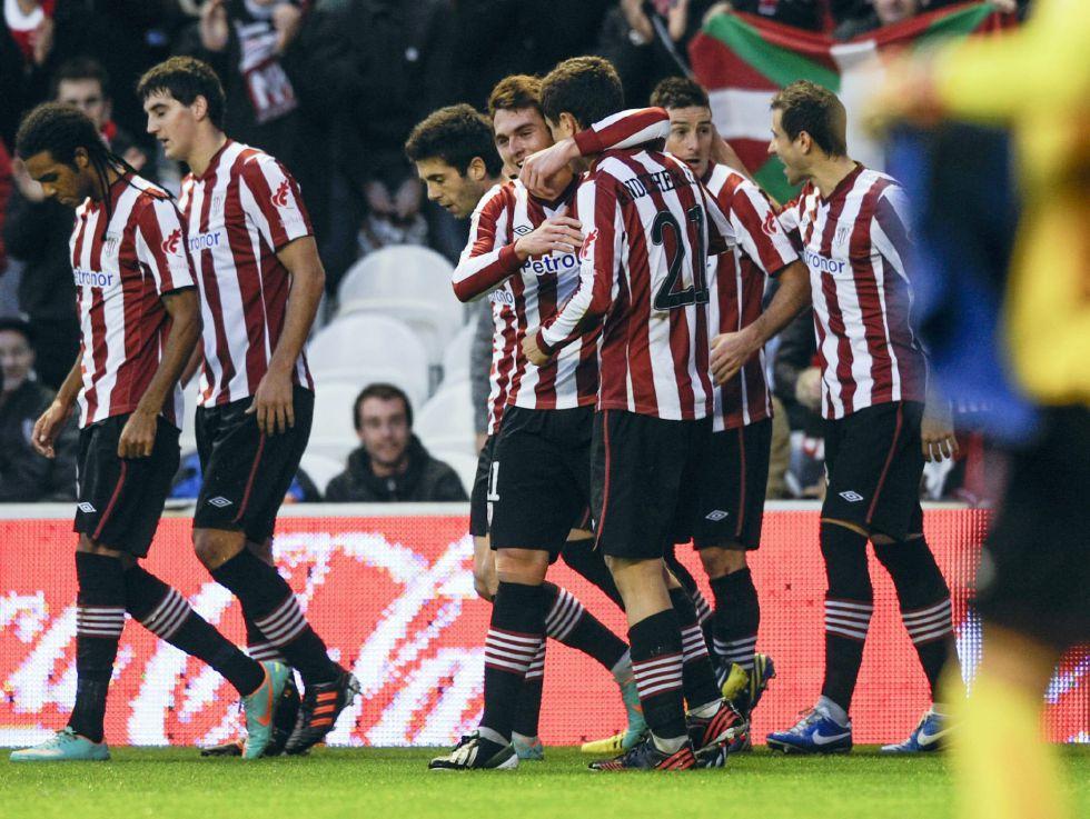 Un nuevo gol de Aduriz da tres puntos y aire al Athletic