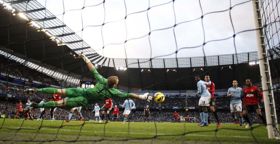 Van Persie decide el derbi de Manchester en el minuto 92