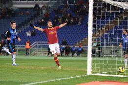 La Roma supera al Atalanta y alcanza los cuartos de final