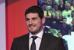 """Iker Casillas: """"Si tengo que jugar en otro sitio elegiría EE UU"""""""