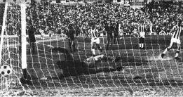 """""""Córdoba se volvió loca con el penalti que marcó Fermín"""""""
