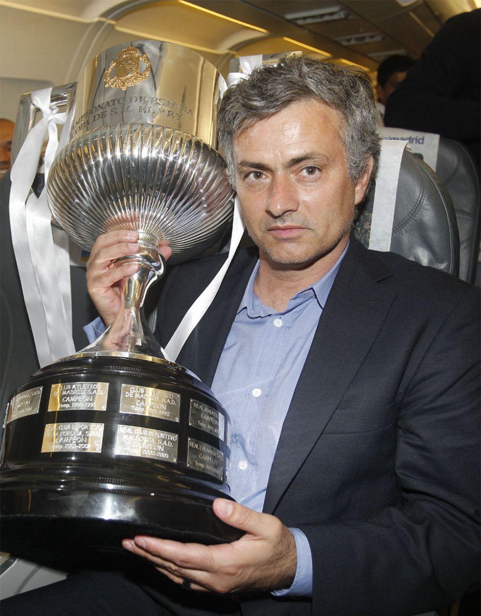 Mou, finalista o semifinalista de Copa siete veces en diez años