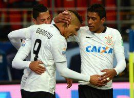 El Corinthians sufre más de la cuenta para llegar a la final