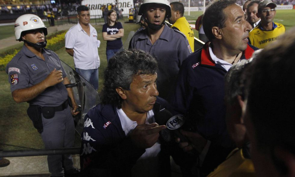 Tigre se retira en el descanso por agresiones de la policía
