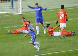 Los goles de Torres y Mata llevan al Chelsea a la final
