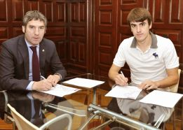 Aurtenetxe amplía su contrato con el Athletic hasta 2017
