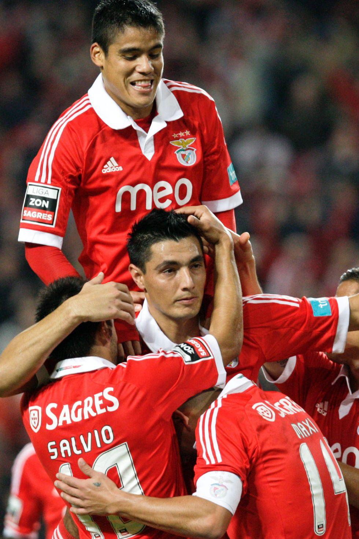Cardozo y Rodrigo ponen líder al Benfica tras ganar a Marítimo