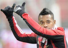 Allegri reconoce que Robinho quiere volver a jugar en Brasil