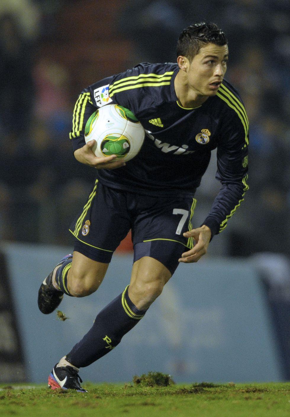 Mourinho puso a Cristiano Ronaldo cuatro veces de nueve