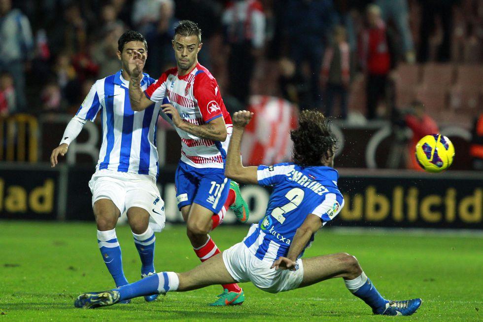 Un Granada sin gol no levanta cabeza y da aire a la Real