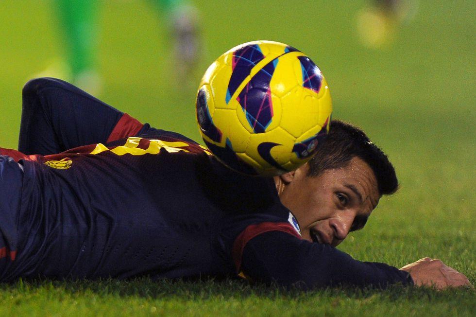 Alexis titular y Villa al banquillo; el Atlético, con once de gala