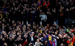 "El Camp Nou: ""Nosotros te queremos, Mourinho quédate"""