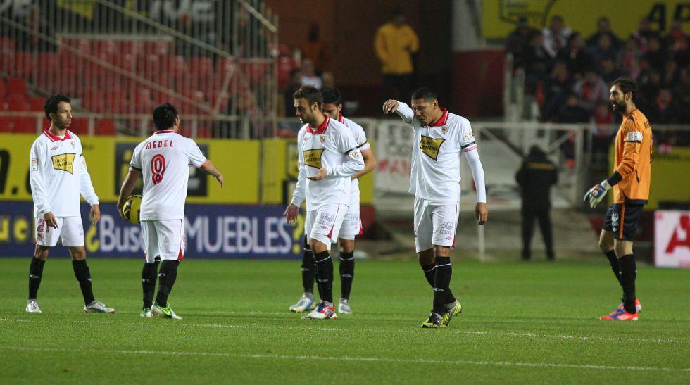 El Sevilla termina 2012 en picado: ocho puntos de 33