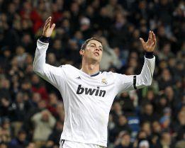 Cristiano Ronaldo tira del carro