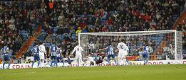 La afluencia al coliseo blanco cae en 5.000 espectadores