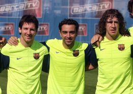 El Barça se asegura el futuro renovando a Messi, Xavi y Puyol