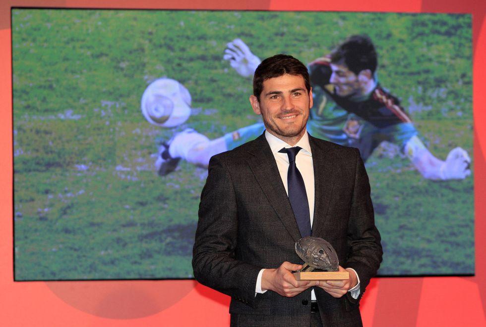 """Casillas: """"Tito tienes la fuerza de todos; es imposible que pierdas"""""""
