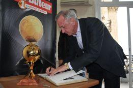 Cruyff se lleva a los mejores para su adiós con Catalunya