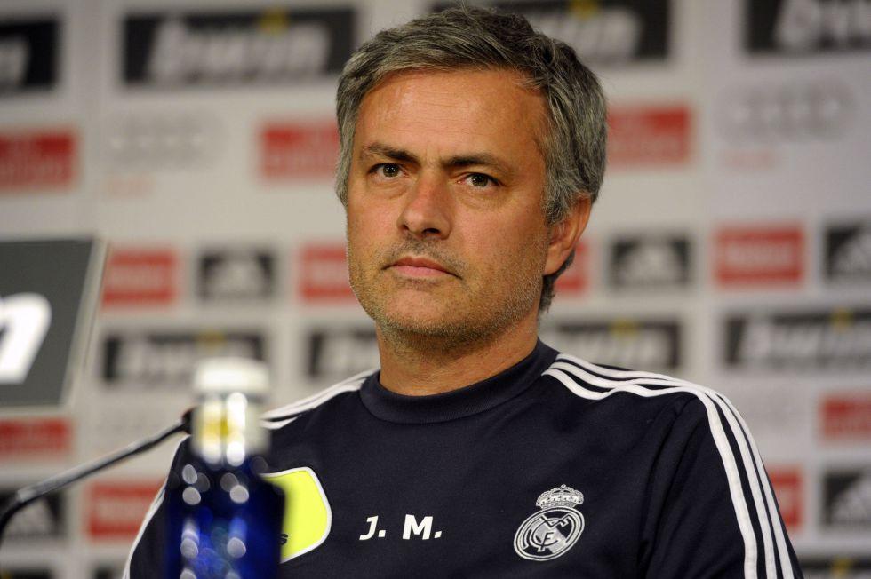 """Mourinho: """"No habrá fichajes y Kaká no se marchará en enero"""""""