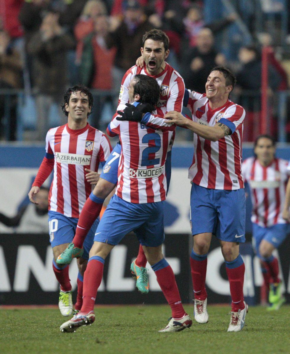 Adrián felicitó las fiestas al Atleti