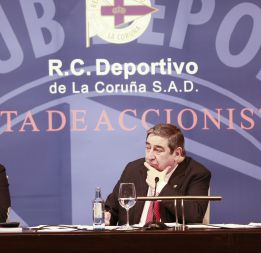 Lendoiro pasa el rodillo pero no aclara las cuentas del Depor