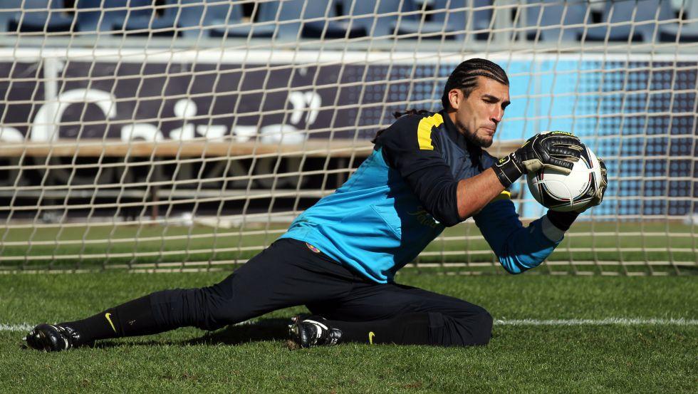 Pinto renueva con el Barcelona hasta el 30 de junio de 2014
