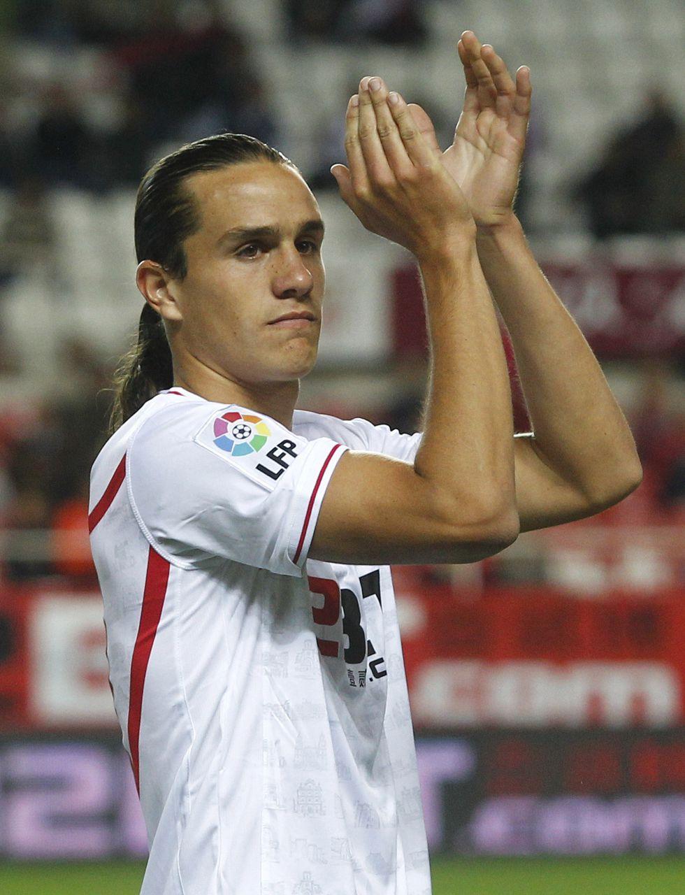 El Sporting confirma la cesión del defensa Bernardo, del Sevilla