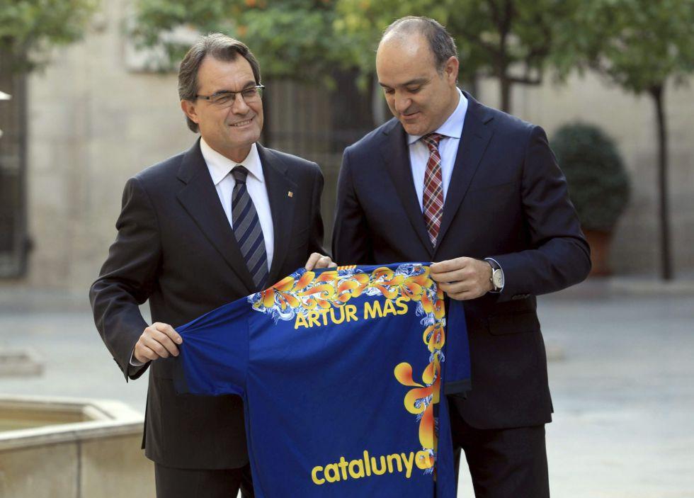 Mas anuncia que asistirá al amistoso entre Cataluña-Nigeria