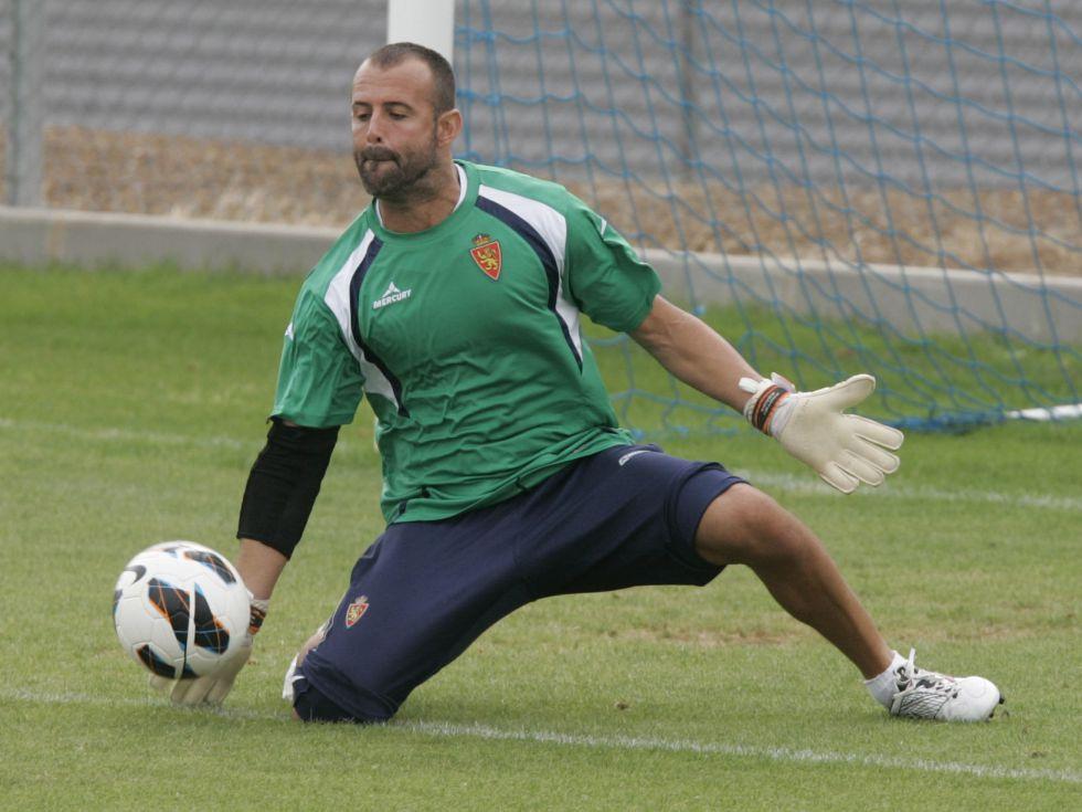 El Zaragoza vuelve al trabajo con un entrenamiento vespertino